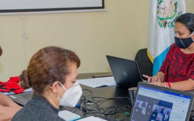 Reunión virtual, junto a equipo de apoyo de la SEPREM y representantes de cinco instituciones que conforman la Mesa Temática de Mujeres.