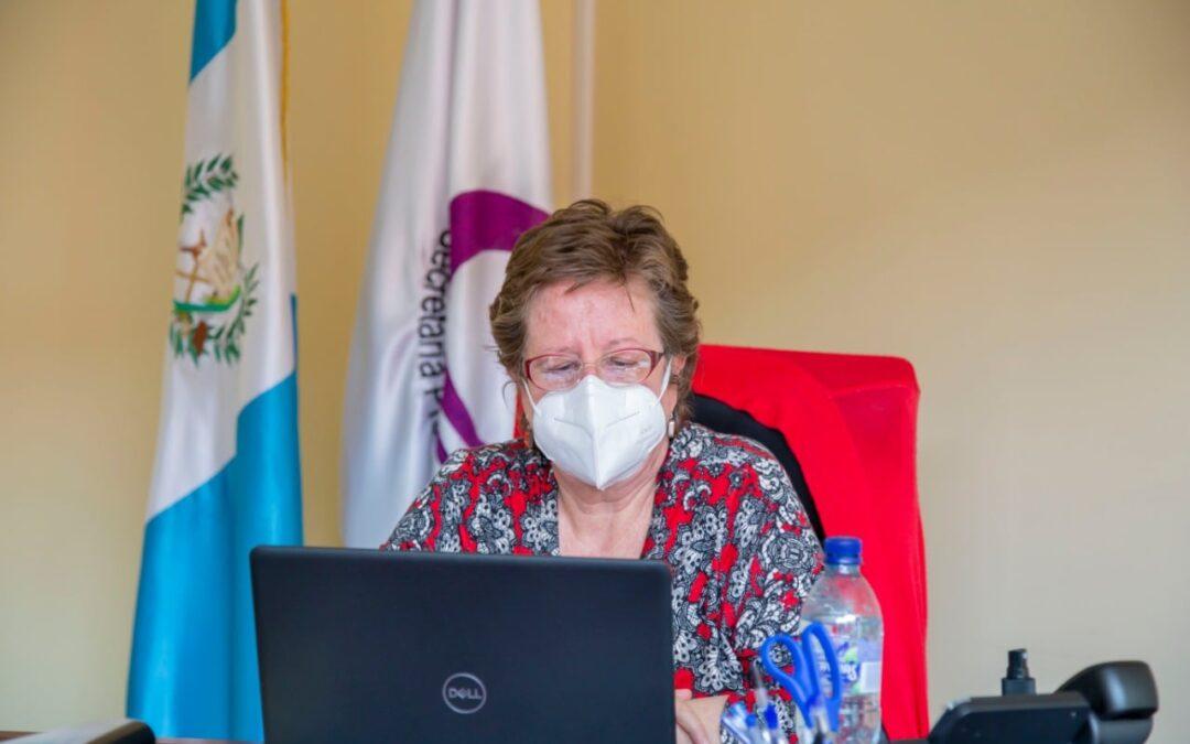 Reunión virtual con la Secretaria Ana Chan, titular de la Senacyt